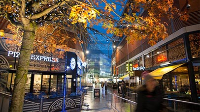 leicester restaurants and bars at night