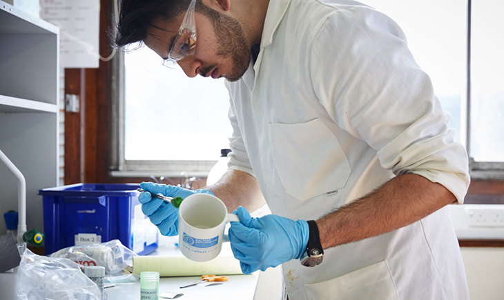 forensic science coursework The forensic science education programs accreditation commission (fepac) of the american academy of forensic sciences has accredited the osu master of science in forensic sciences degree in the areas of forensic biology/dna and forensic chemistry.